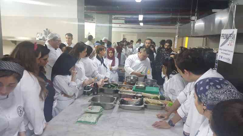 Chef Hasan Karabazar Ayvansaray Üniversitesi Sushi Workshop